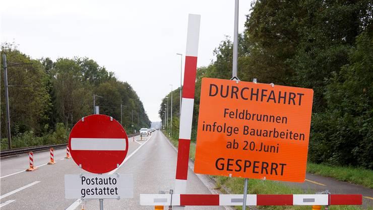 Sperre der Baselstrasse ausgangs Riedholz in Richtung Solothurn.