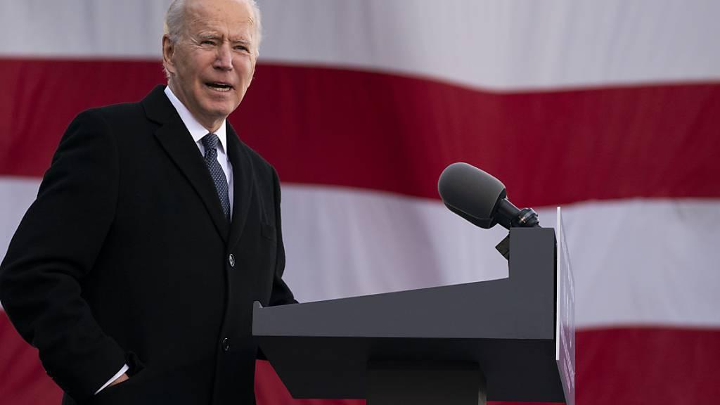 Joe Biden, designierter Präsident der USA, spricht im Major Joseph R. «Beau» Biden III National Guard/Reserve Center. Foto: Evan Vucci/AP/dpa