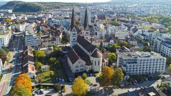 DCIM\100MEDIA\DJI_0092.JPG Stadtbild Stadtansicht Drohnenfoto Olten mit Martinskirche Altersheim St. Martin und geplanter Überbauung Ziegelfeldstrasse Bleichmattstrasse nördlich St. Martins-Kirche.