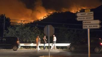 Auf Ibiza wüten Feuer