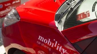 Ein Mobility-Fahrzeug leuchtet im typischen Rot (Archiv)