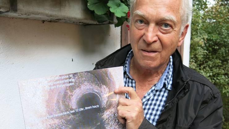 Werner Andres kann in den Aufnahmen des Kanalfernsehens keine Schäden erkennen. Matthias Steimer