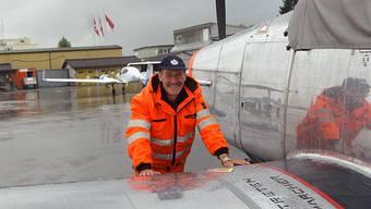 Roger Daumüller ist mehr als nur «Platzwart» auf dem Flughafen.  jpw