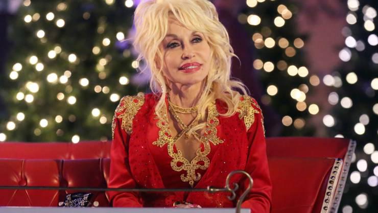 """""""Das Haar dazu hätte ich"""": Dolly Parton witzelt über eine Kandidatur als US-Präsidentin. (Archivbild)"""
