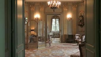 Wer will Schlossherr werden? Für rund 35 Millionen ist das Anwesen zu haben.