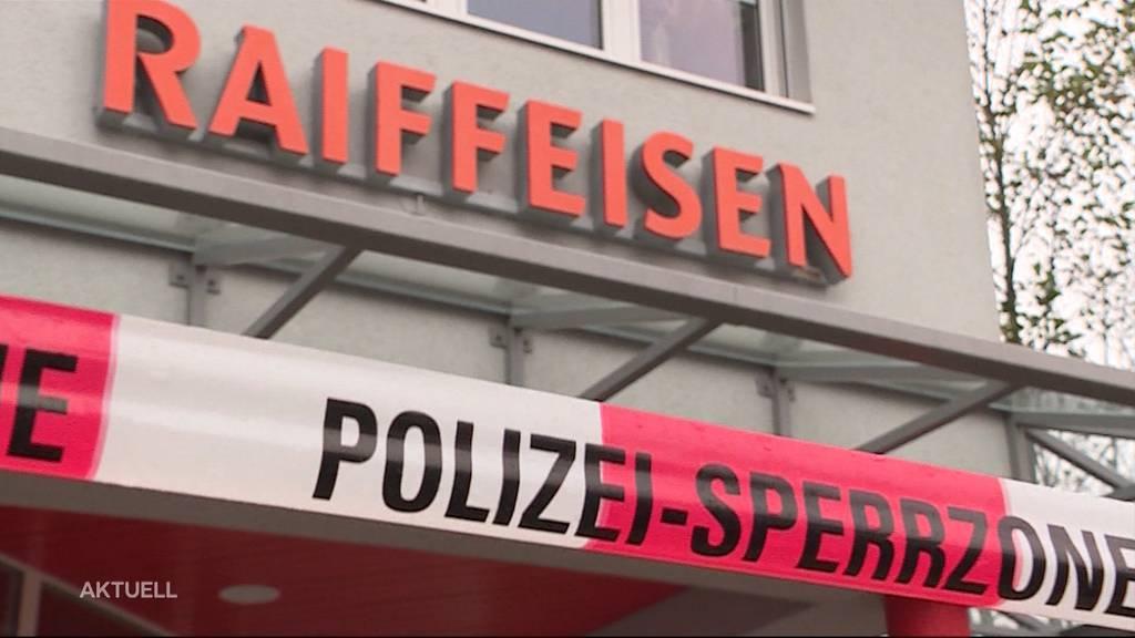Verblüffende Ähnlichkeit: Handelt es sich bei den Raiffeisenbank-Überfällen um den gleichen Täter?