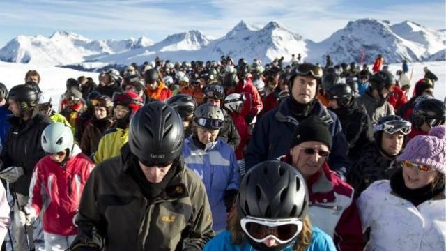 Alles fährt Ski: Massenandrang auf den Pisten von Arosa am 30. Dezember.  Foto: Keystone