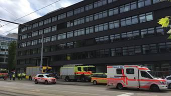 Die Feuerwehr rückte mit einem Grossaufgebot aus. Verletzt wurde niemand.