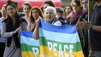 Waffenexport-Gegner protestieren in Bern