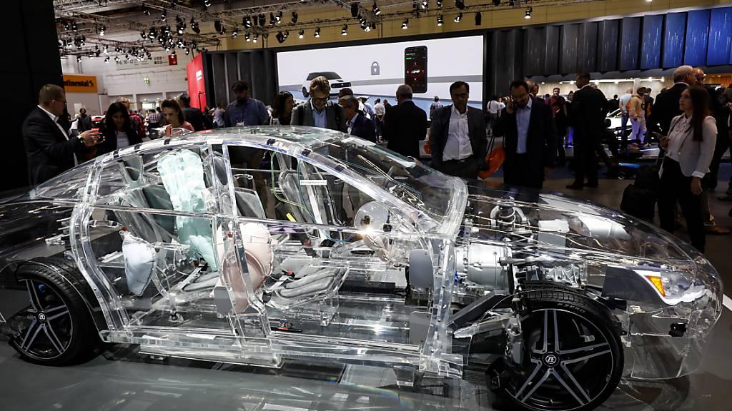 Der drittgrösste deutsche Autozulieferer ZF Friedrichshafen ist wegen des Automarkteinbruchs in der Coronakrise im ersten Halbjahr tief in die roten Zahlen gerutscht. (Archivbild)