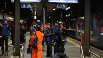 Das Spezialdetachement Forte Due am Bahnhof Aarau