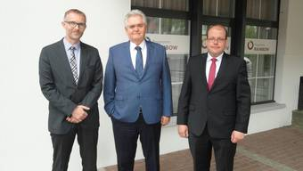 Präsentierten die Jahresbilanz 2016 (v.l.) Thomas Hunziker (RB Dünnerntal-Guldental) , Franz Koch (RB Balsthal-Laupersdorf, Präsident der IG der Thaler Raiffeisenbanken) und Alexander Bigler (RB Balsthal-Laupersdorf)