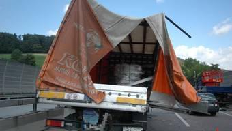 Beim Unfall wurden zwei Fahrer leicht verletzt