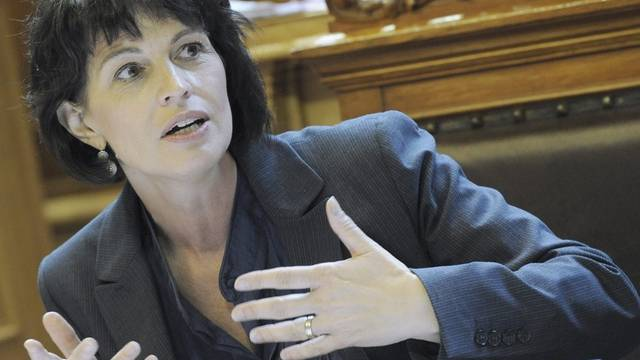 Energieministerin Doris Leuthard unter Beschuss: Doch soll die Indiskretion nicht aus ihrem Departement stammen. (Archiv)