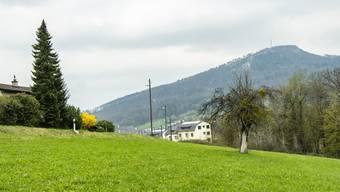 Grundstück Yakin