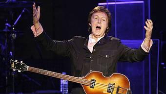 Paul McCartney in Aktion (Archiv)