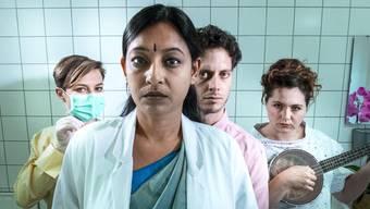 In «Global Belly» werben Leihmutterschaftsfirmen aus Indien, Amerika und der Ukraine alle um einen potenziellen Klienten. Alexander Barta