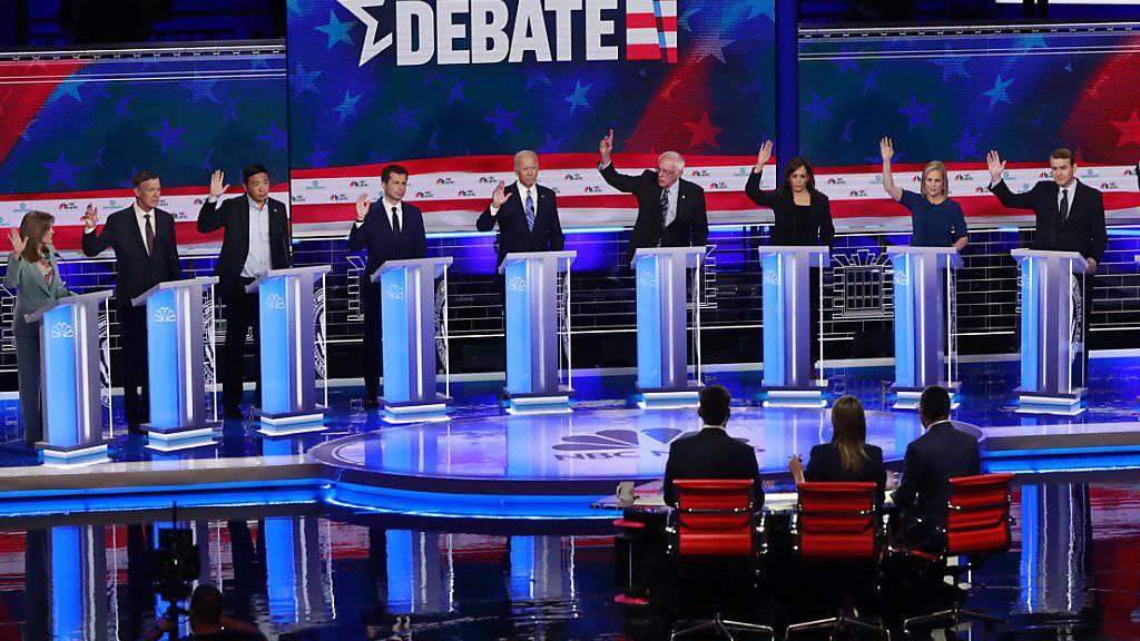 In den USA fand in der Nacht auf Freitag die zweite TV-Debatte demokratischer Präsidentschaftsbewerber statt.