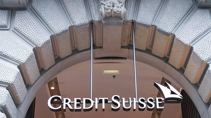 Die Grossbank Credit Suisse sieht sich zusammen mit weiteren neun Banken in den USA mit einer Klage konfrontiert. Die Banken sollen laut Klage den Markt für Unternehmensanleihen manipuliert haben. (Archivbild)