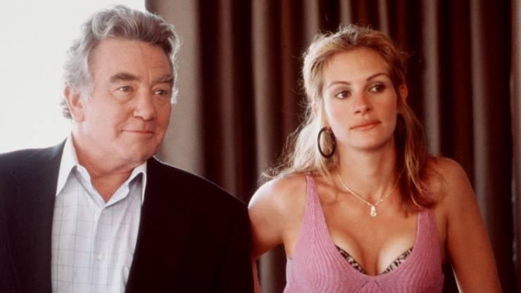 """Albert Finney spielte an der Seite von Julia Roberts in """"Erin Brockovich"""" (2000)."""