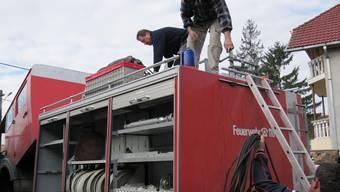 Franz Ruckli bringt ein ausgedientes Aarauer Tanklöschfahrzeug nach Rumänien