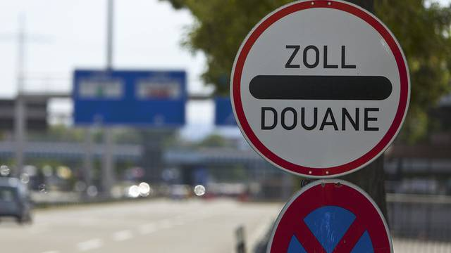 Die Schweizer Demokraten fordern in ihrer Initiative, dass nicht mehr Menschen in die Schweiz einwandern als auswandern dürfen (Symbolbild)