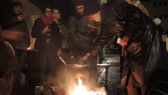 Mit Fondue gegen Lärm und Vandalismus: Anwohner in der Brugger Spiegelgasse.
