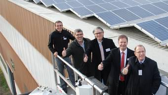 Für Gemeindeammann Walter Dubler (4. von links) ein gelungenes Beispiel für Standortmarketing: Die Entwicklung auf dem Wohler Ferro-Areal.