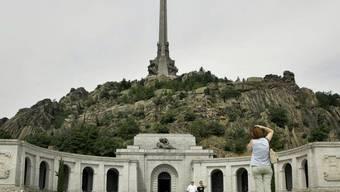 Francos Mausoleum im 50 Kilometer von Madrid entfernten Valle de los Caídos (Tal der Gefallenen). (Archivbild)