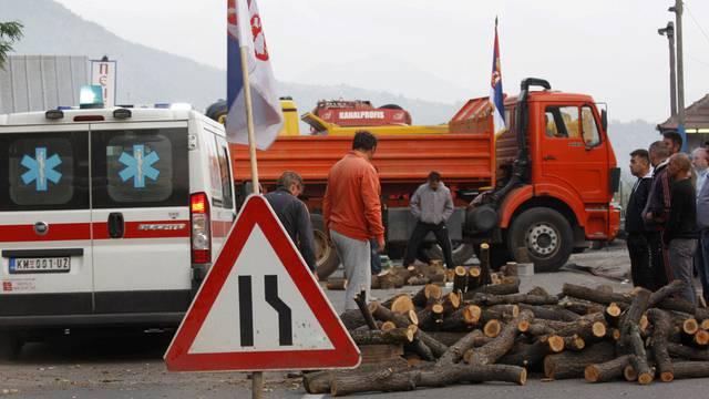 Serben blockieren den Grenzübergang nach Kosovo (Archiv)