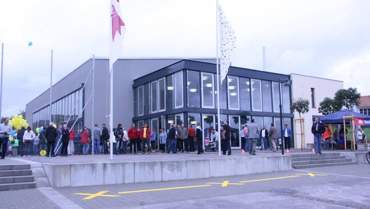 """Eingeweiht: Die Mehrzweckhalle """"Dörlimatt"""" in Känerkinden. (Bild: Otto Graf)"""