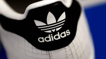 Adidas trotz verhaltenen Jahresstarts mit Gewinnsprung. (Archiv)