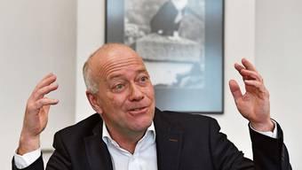 Martin Wey wird 2021 30 Jahre im Dienst der Stadt gewesen sein (im Hintergrund ein Foto des Stadtkaters Toulouse).