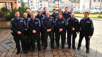 Die Repol aargauSüd besteht aus zwei Polizistinnen, zwölf Polizisten, einer Aspirantin und zwei zivilen Mitarbeitenden. Chef ist Dieter Holliger (vorne Mitte). Ein wichtiges Korps-Mitglied ist auch Rottweilerhündin «Nayla vom Schwingerhuus».
