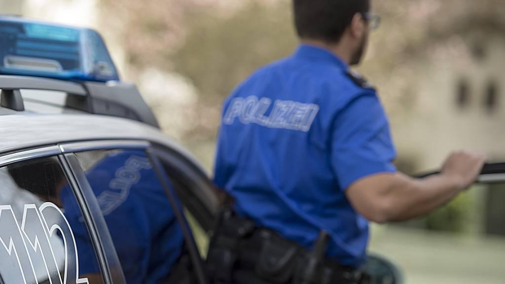 Polizei verhaftet verdächtigen Mann in Altnau