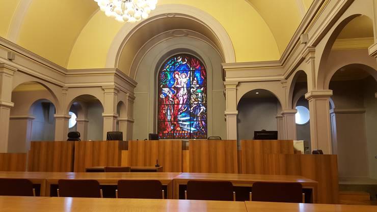 """In diesem Gerichtssaal in Sion tobte der Sexualstraftäter und """"Chloroform-Unhold"""" U.B."""