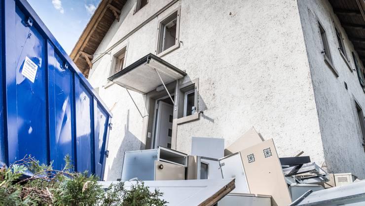In vielen älteren Häusern ist heute noch Asbest verbaut. (Symbolbild)