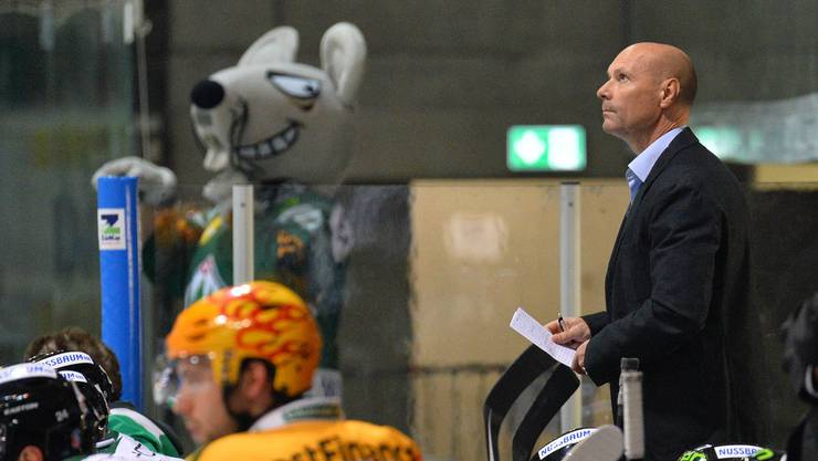 Dino Stecher (im Anzug) hofft auf ein Déjà-Vue mit dem EHC Olten gegen die SCL Tigers.