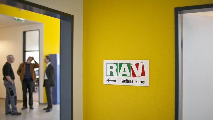Im April machten weniger Basler und Baselbieter den Gang zum Arbeitslosenamt. (Symbolbild)