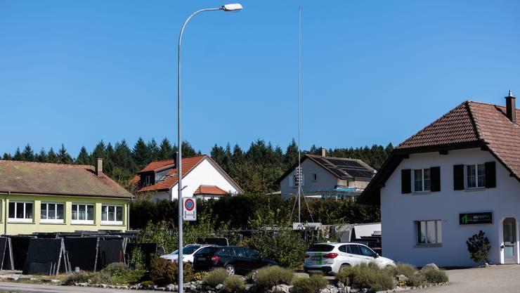 Das Siedlungsgebiet wird mit einer Planungszone belegt. Die Gemeinde will mitreden, wenn es um Natelantennen geht.