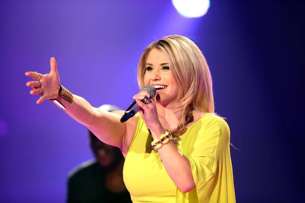 Beatrice Egli performt