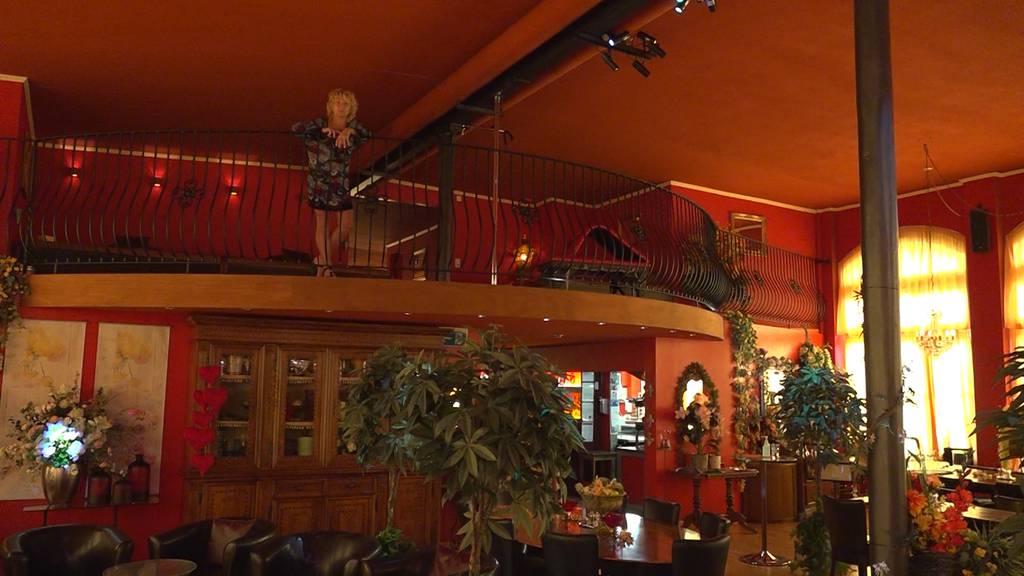 Tabujobs: Dieses Ehepaar führt gemeinsam einen Swingerclub