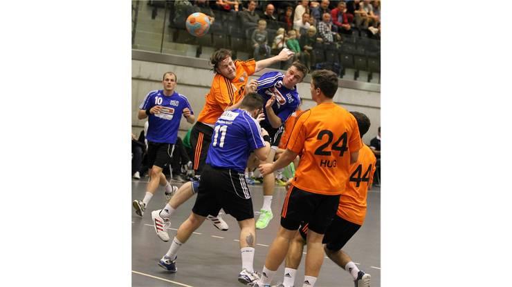 Imressionen vom 1.-Liga-Spiel Dietikon-Urdorf gegen GC Amicitia.