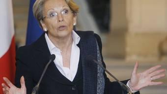 Die Opposition hat die Aussenministerin Michèle Alliot-Marie aufgefordert zurückzutreten, weil sie für das alte Regime Tunesiens Partei ergriff (Archiv)