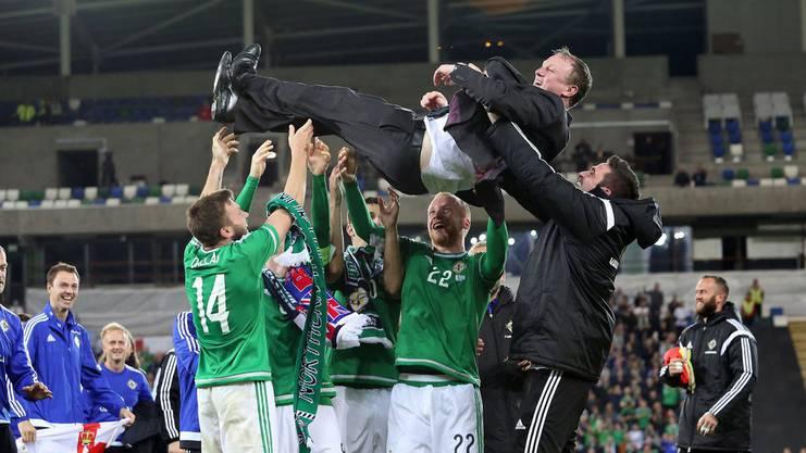 Nordirlands Trainer Michael O'Neill führt die Mannschaft souverän durch die Qualifikation.