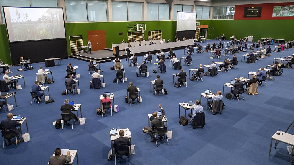 Coronadebatte: Mehr Geld für Prämienverbilligung im Kanton Zug