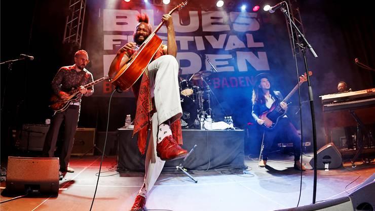 Sein Auftritt im Nordportal Baden sprengt die Grenzen des Blues: Fantastic Negrito – Sänger, Gitarrist und Keyboarder mit somalischen Wurzeln.