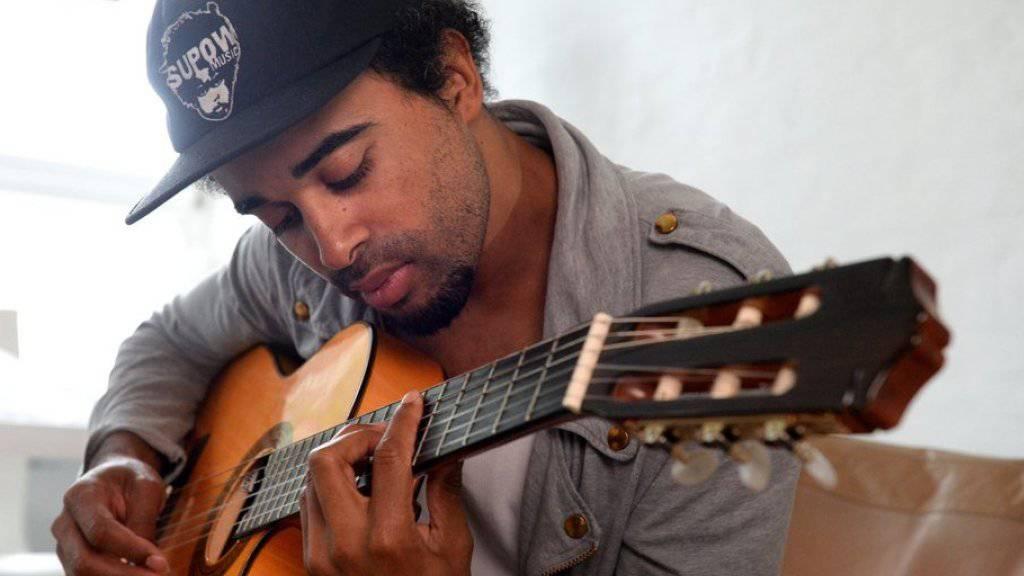 Reggae-Musiker Patrice singt auch schon mal im Kleiderschrank