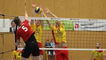 Im Block zeigten die Fricktaler eine starke Leistung. Im Bild Reto Pfund (l.) und Stjepan Grgic.