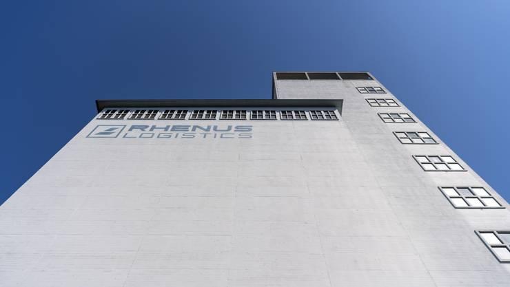 Die Laderampe vor dem Silo 2 der Firma Rhenus Logistics mit dem Pflichtlager für Getreide.